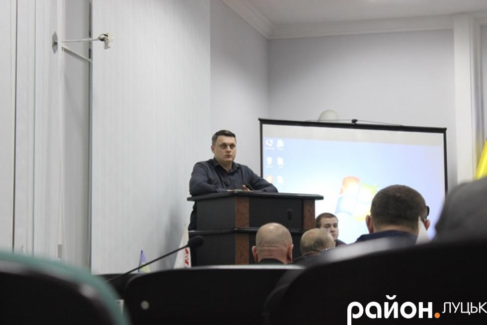 Микола Федік доповідає про Степана Бандеру і національну гідність