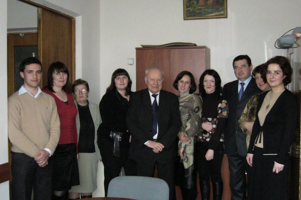 Богдан Заброварний разом з колегами-викладачами Лесиного вишу