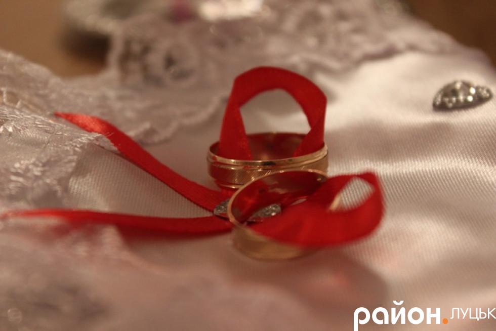 Романтичні обручки – для романтичної пари