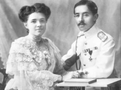 Катерина Десницька та принц Сіаму Чакрабон таємно обвінчалися 1906 року в грецькій церкві Святої Трійці в Константинополі — тепер Стамбул, Туреччина