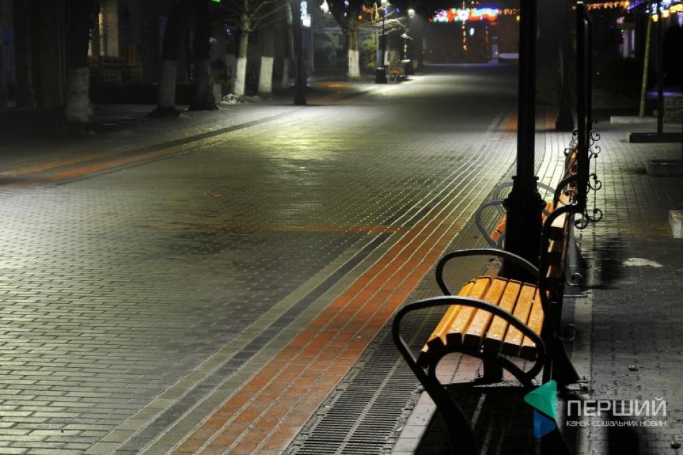 Центральна пішохідна вулиця Луцька – Лесі Українки у вечірній час