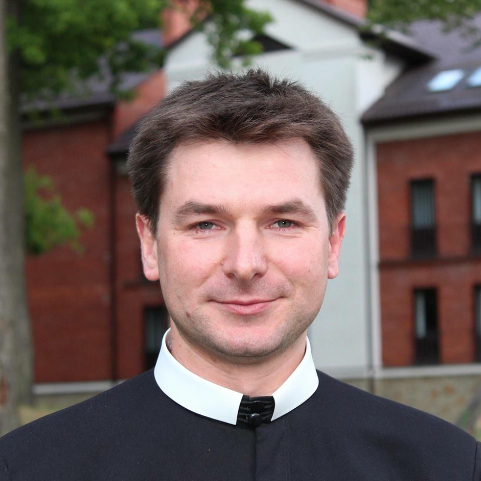 Отець Юліан