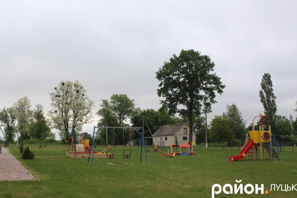 Дитячий майданчик на подвір'ї ДНЗ «Казка»