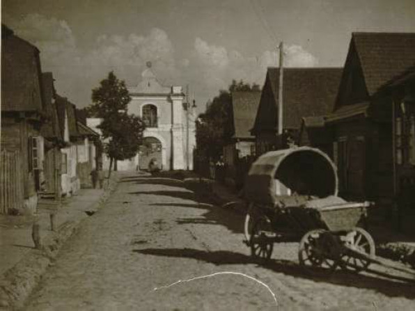 Костел у селі Несвіч