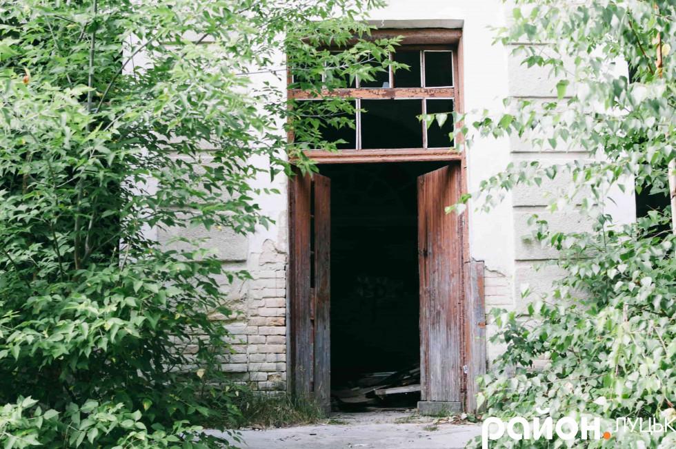 Залишки дверей