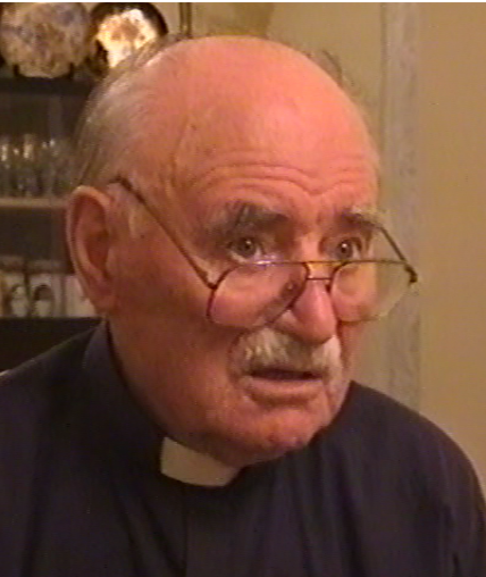 Отець Борис Стасишин під час інтерв'ю