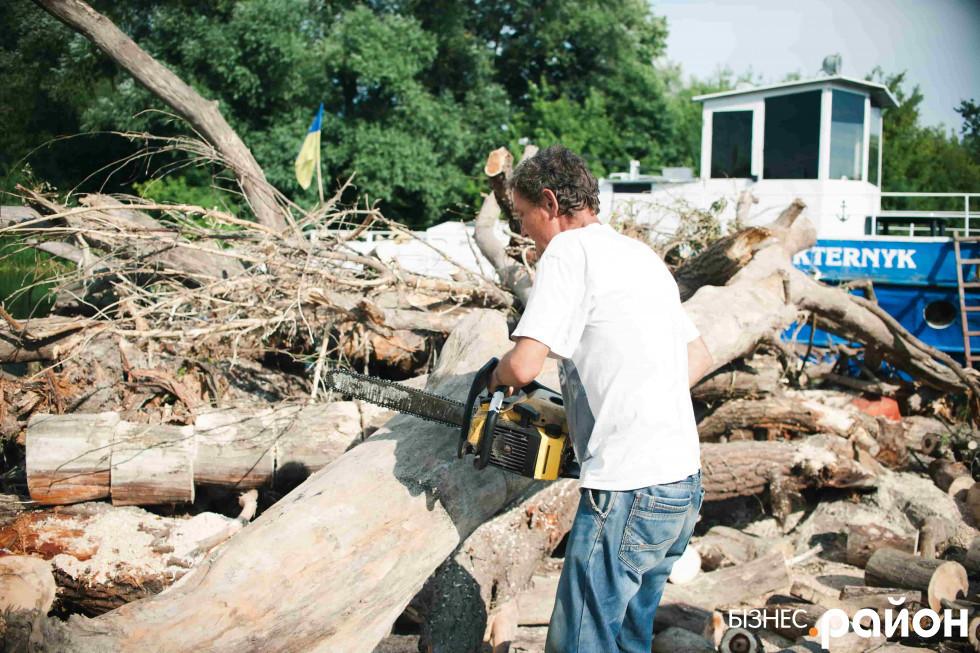 Потонулі дерева можна ще десь використати