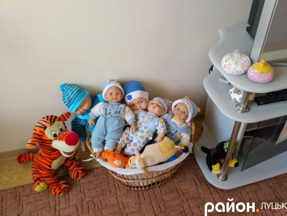 Навчальні ляльки в школі відповідального батьківства