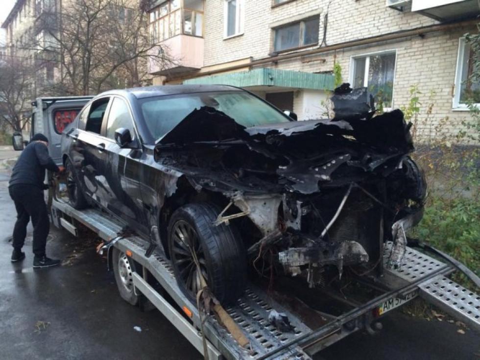 Спалений автомобіль Юлії Вусенко