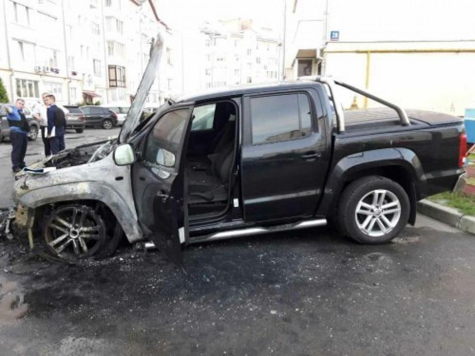 Спалене авто Ігоря Лапіна