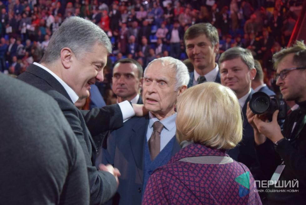 Петро Порошенко з Дмитром Павличком та Адою Роговцевою