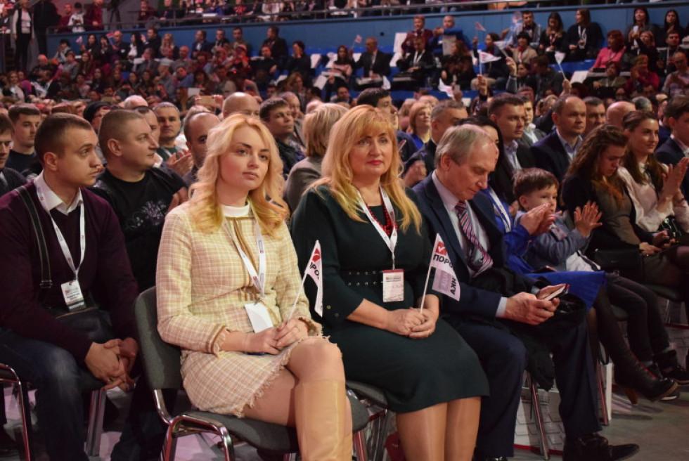 Голова Іваничівської РДА Лілія Кревська з донькою