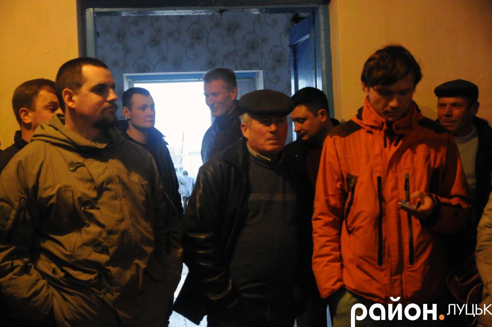 Очільник «Національного корпусу» Андрій Д'яченко (зліва)