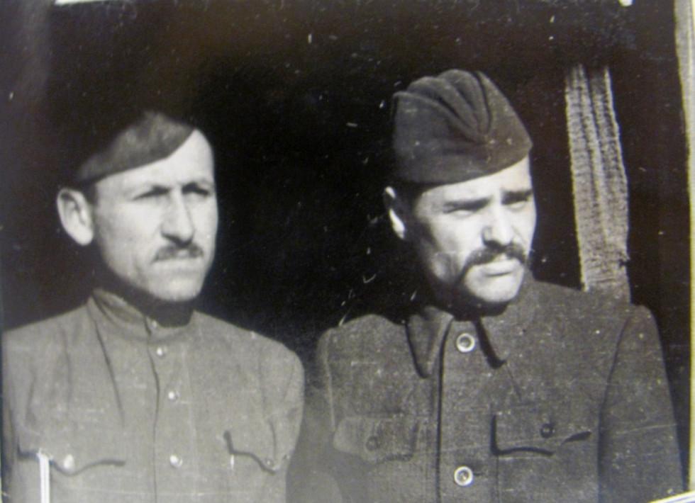 Ліворуч «Ілько», праворучІван Литвинчук, псевдо«Дубовий»
