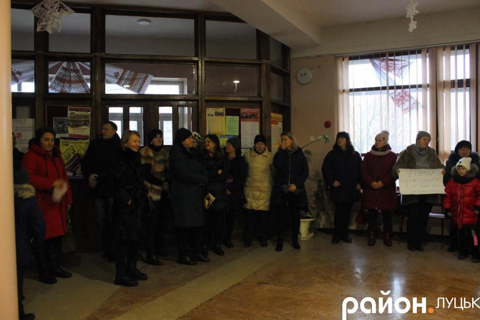 Учні не прийшли до школи через батьківський протест