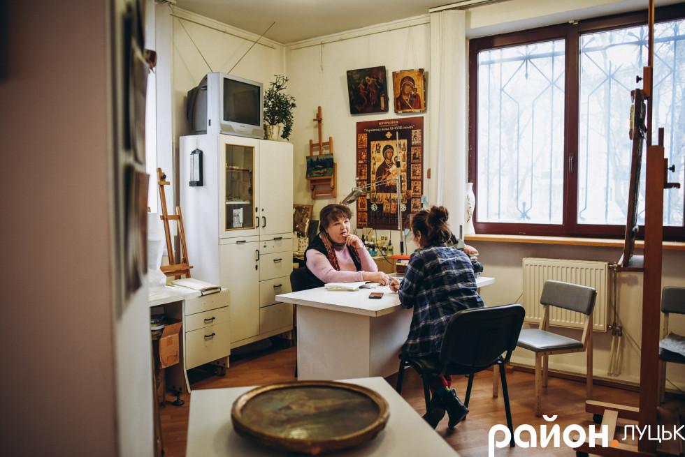 Нині жінка має просторе приміщення для своєї роботи