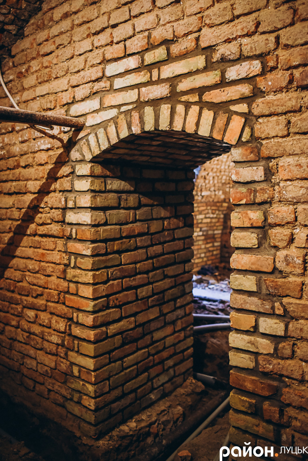 Відновлена арка
