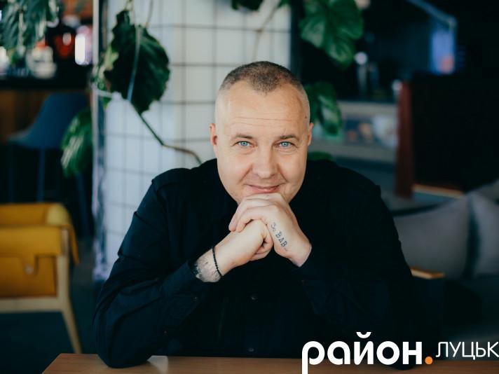 Виготовлення і розміщення матеріалу оплачено з виборчого фонду партії Народний рух України