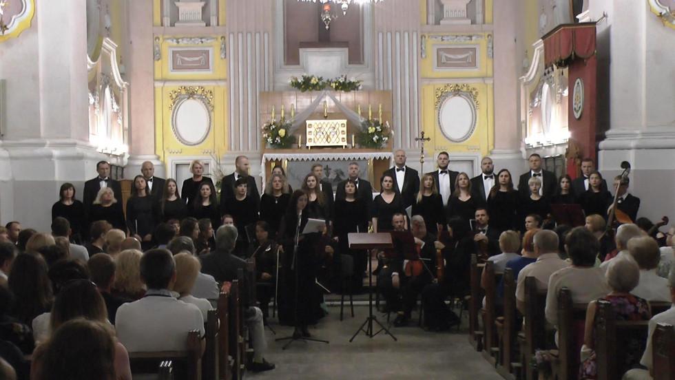 Оркест разом з хором «Оранта»