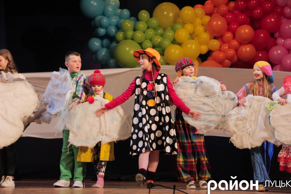 Бешкет на сцені - основна фішка цих дітей